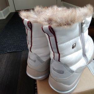BZEES Winter boots
